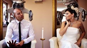Glückliches Hochzeitspaar im Blickfang Idstein